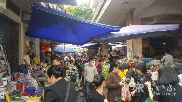ラオカイ市場